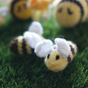 Grans on the Make - Easy Beesy bee pattern