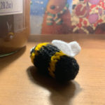 Grans on the Make Easy Knitted Bee pattern
