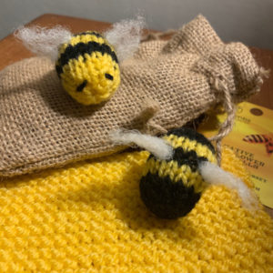 Grans on the Make - Easy Knitted Bumblebee pattern
