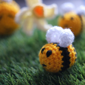 Grans on the Make - Little crochet bee
